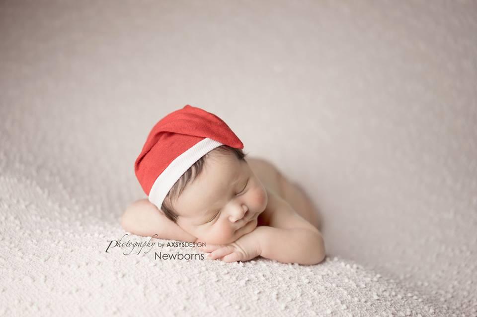 newborn photography santa