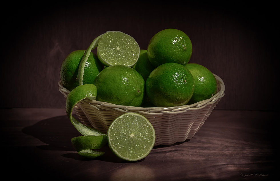 lemon still life photography by margareth perfoncio -  1