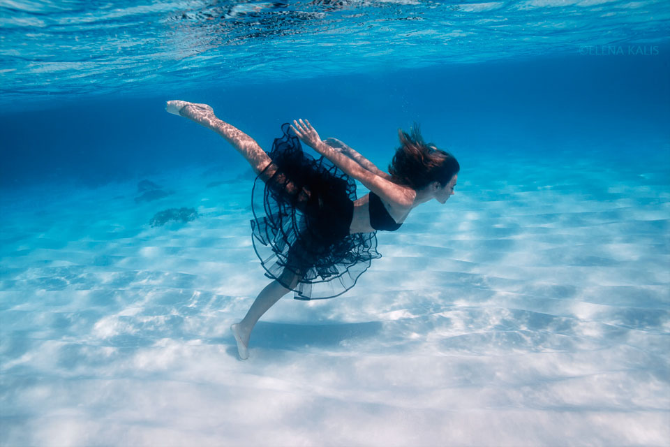 girl underwater photography -  17