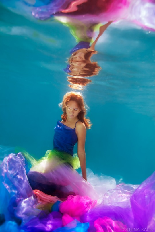 girl underwater photography -  25