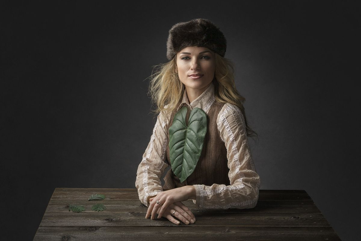 portrait photography russian hat by regina pagles