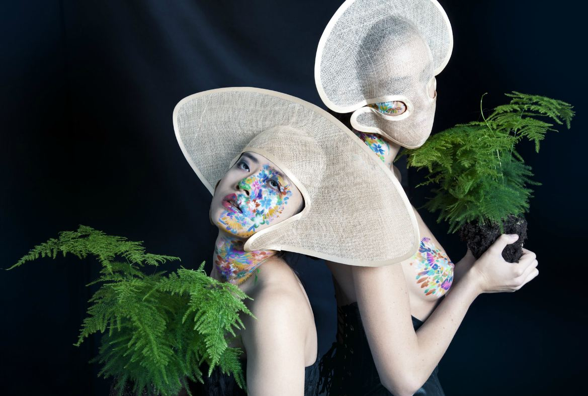surreal fashion photography bizarre faces by madame peripetie