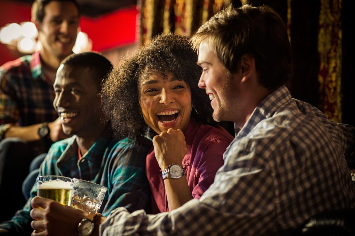 lifestyle photography night out friends by tom hussey