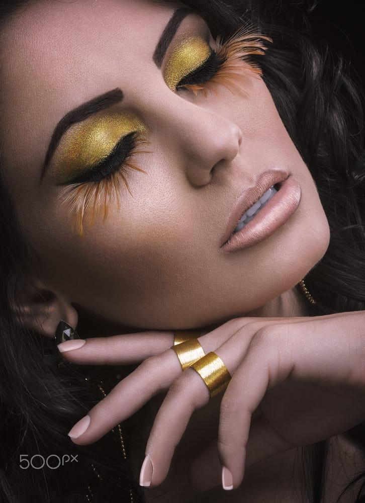 5 portrait photography golden eyes by jackson carvalho