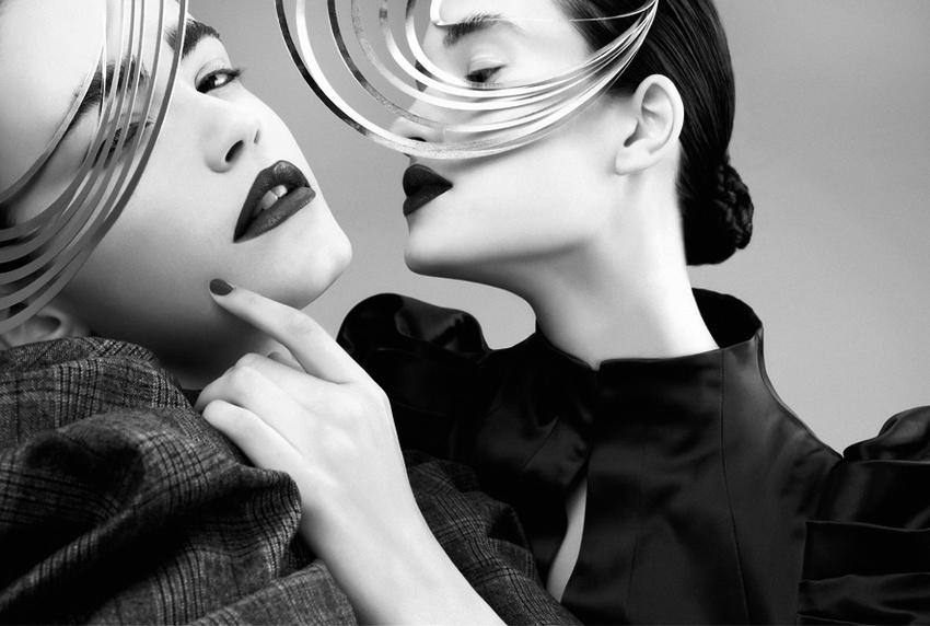 fashion photography monochrome by andreas stavrinides