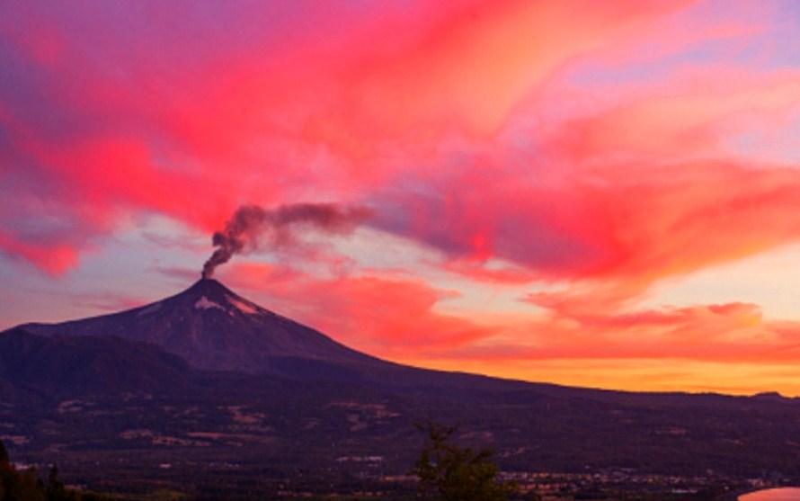 landscape eruption volcano photography by francisco negroni