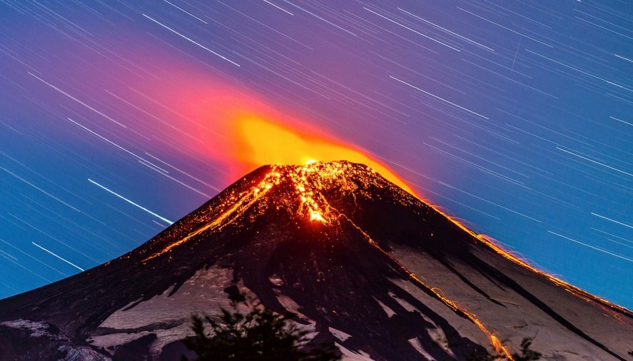 flaming volcano photography by francisco negroni