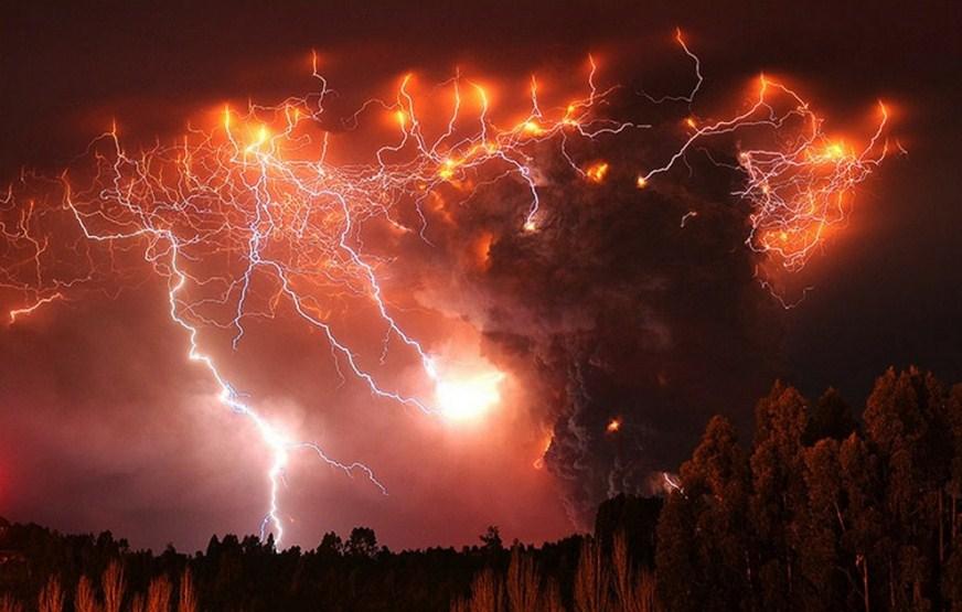 phenomenal eruption volcano photography by francisco negroni