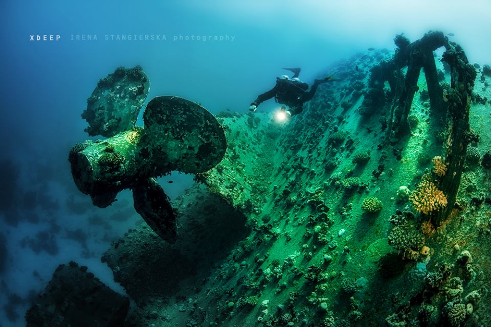 underwater ship photography by irena stangierska