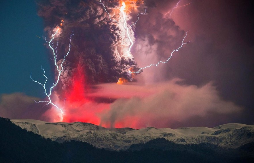 erupting lava volcano photography by francisco negroni