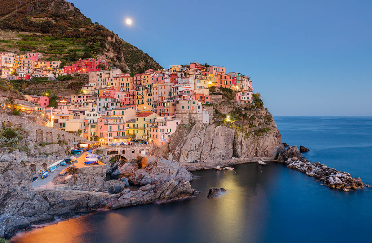 landscape photography manorola fishing village by jonathan reid