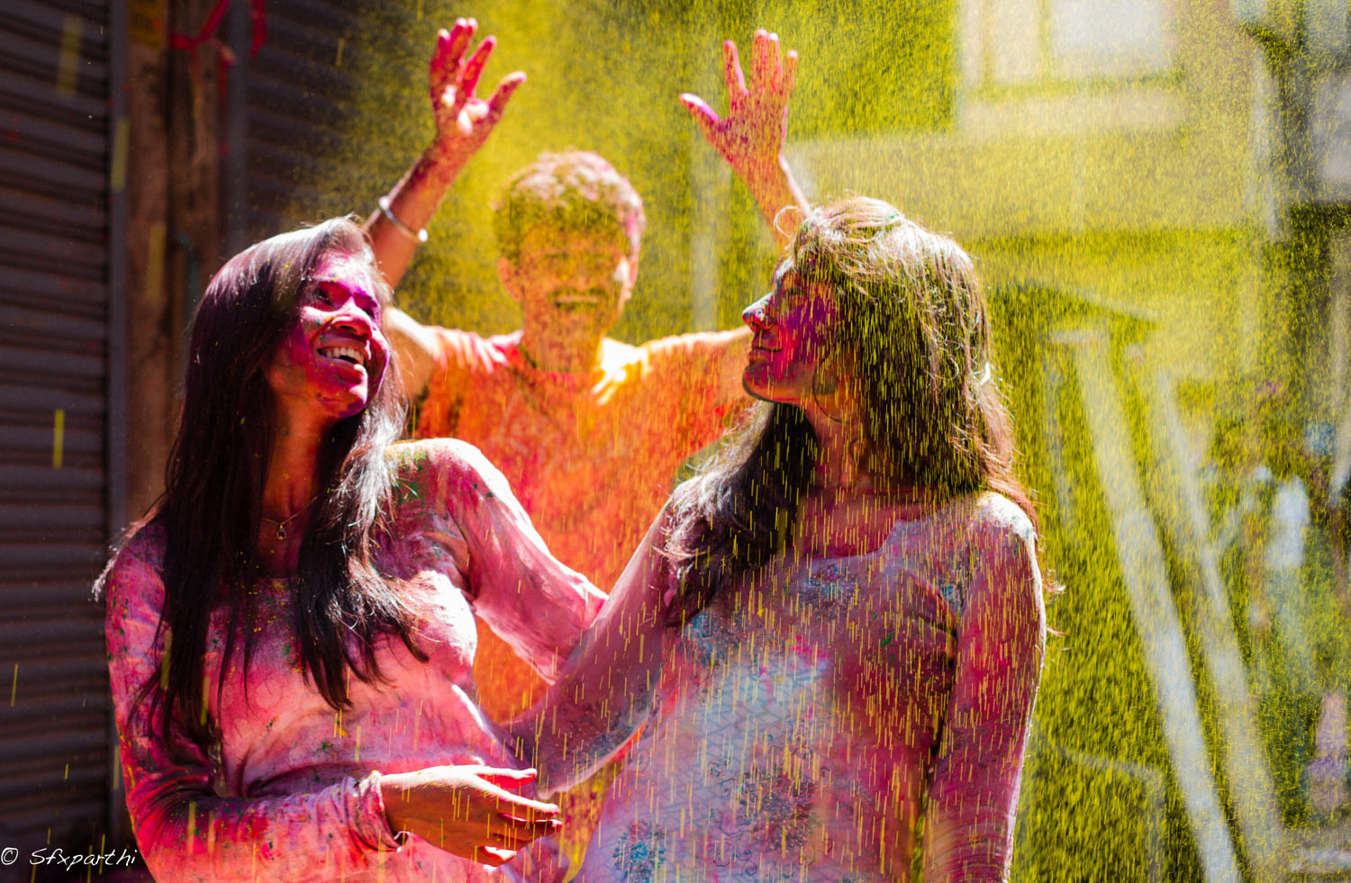 lifestyle photography holi friends by sfx parthi