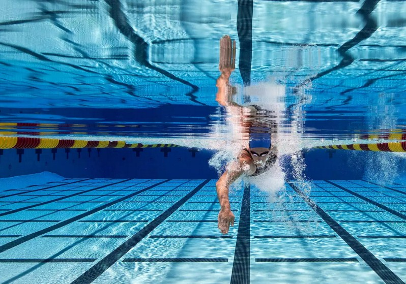 swimming portrait photography by tim tadder