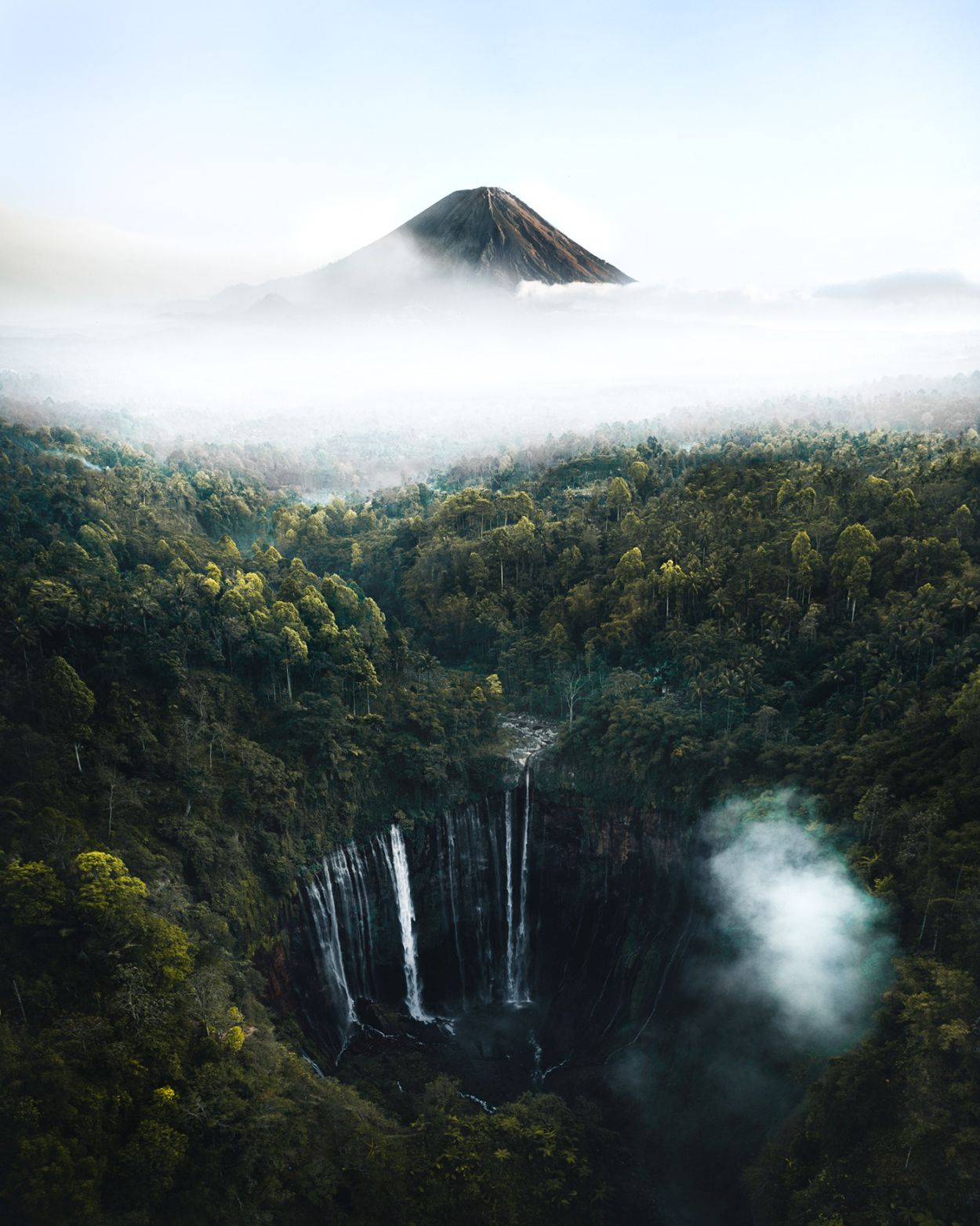 landscape photography indonesia by witold ziomek