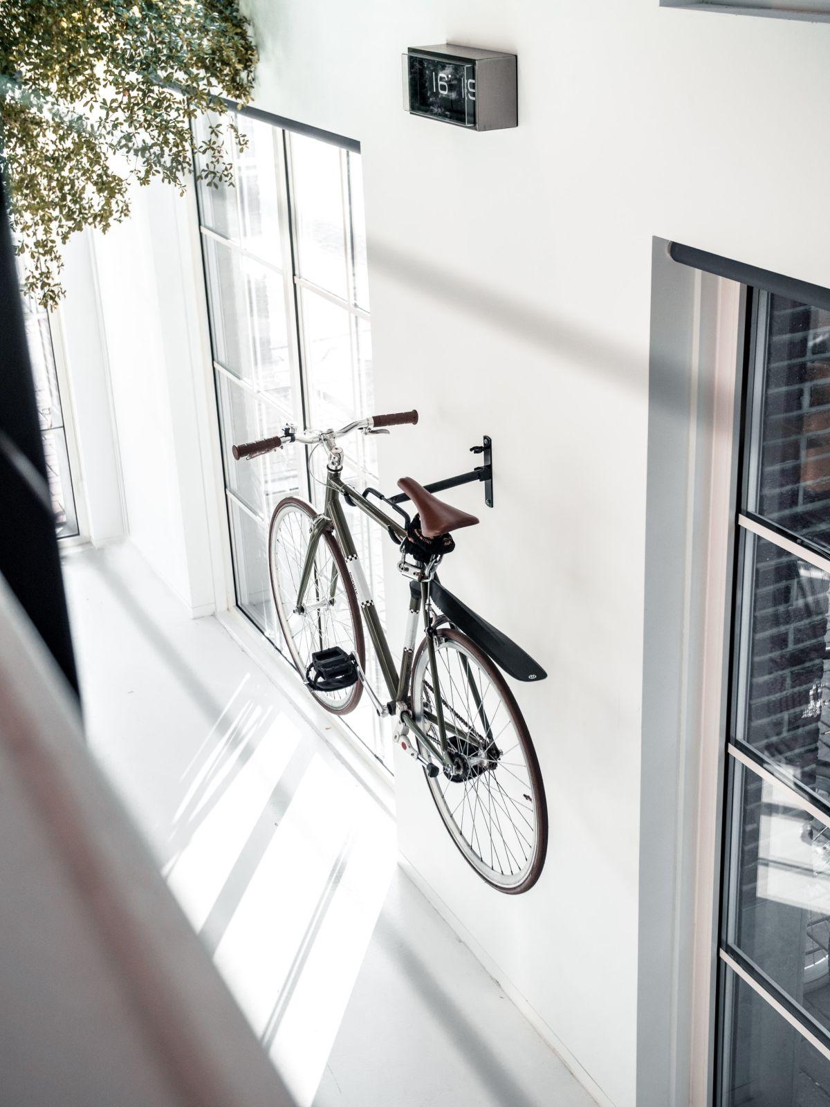 minimalist photography cycle by bruno van der kraan
