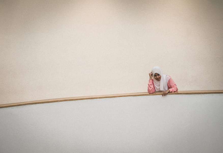 minimalist photography woman by paolo siragusa