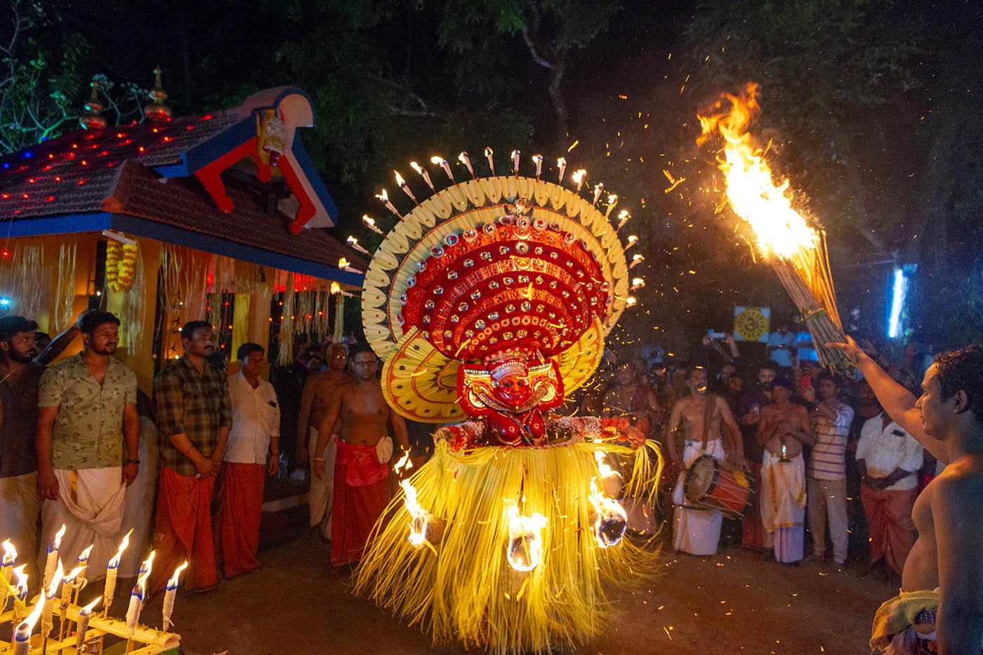 1 travel photography india thottumkara bhagavathi theyyam by saravanan dhandapani