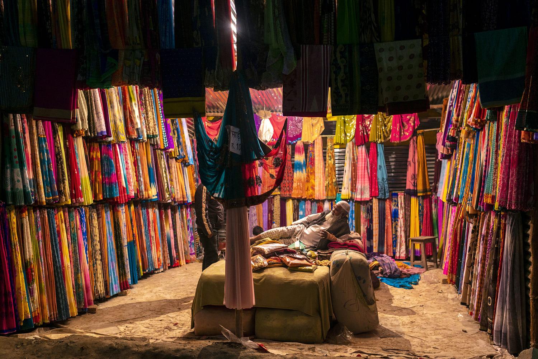 travel photography indian clothes merchant by saravanan dhandapani