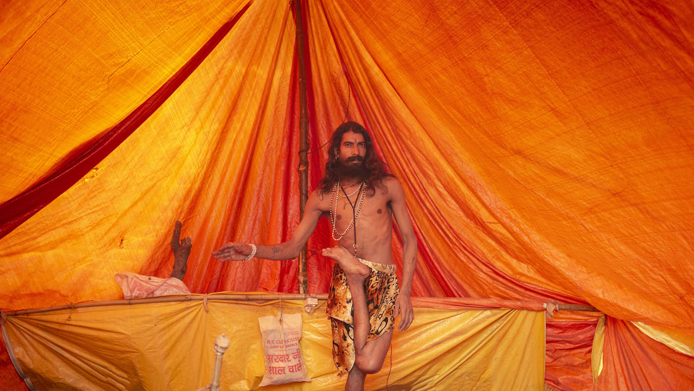 travel photography india shiva kumbh mela dressup by saravanan dhandapani