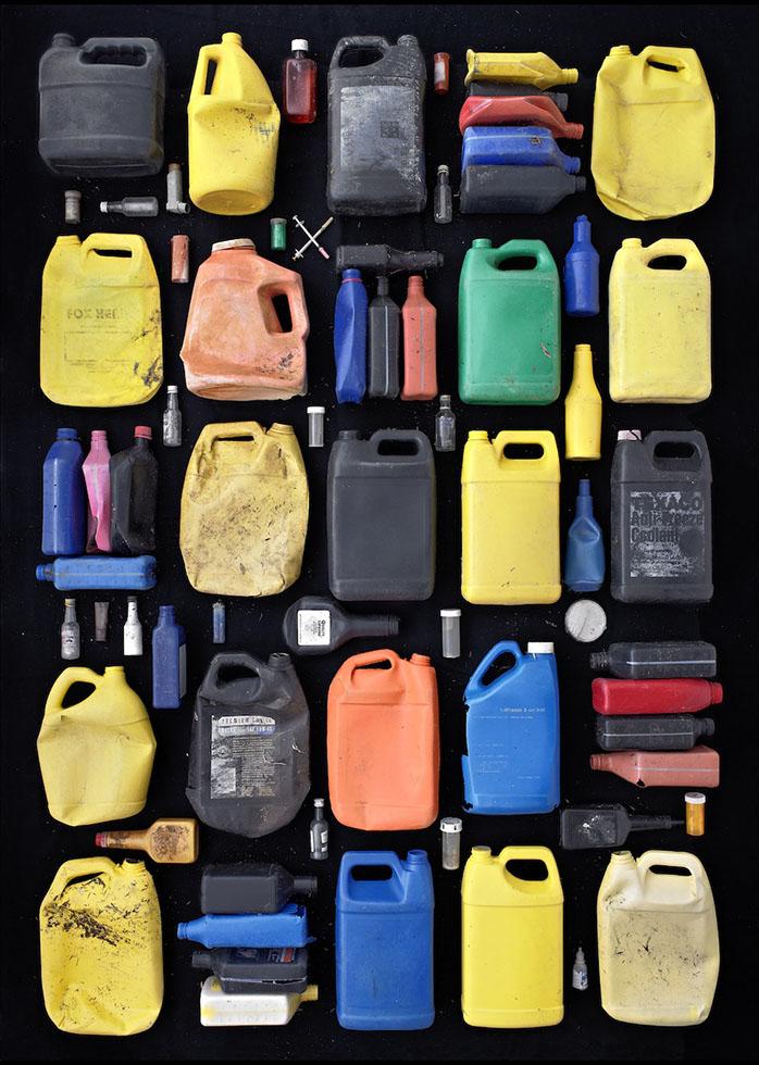 photography idea arrange scrap plastic cans