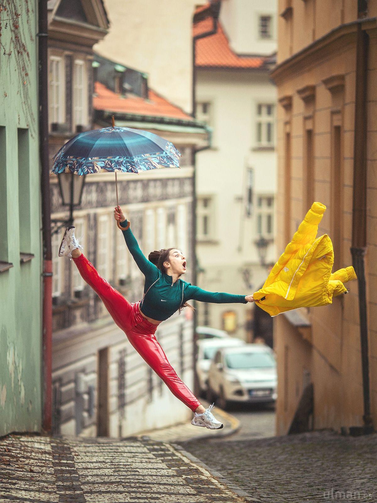 street photography walk down lane by anna ulman