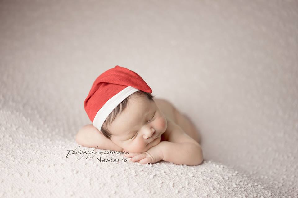 newborn photography santa by axsys