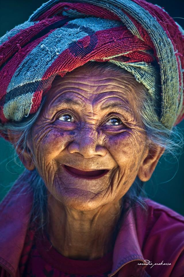 old woman potrait by rehanh
