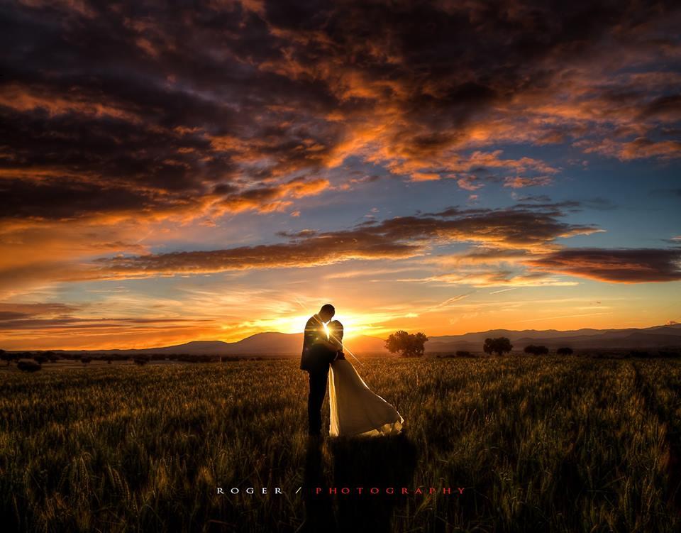 wedding photography idea sunset