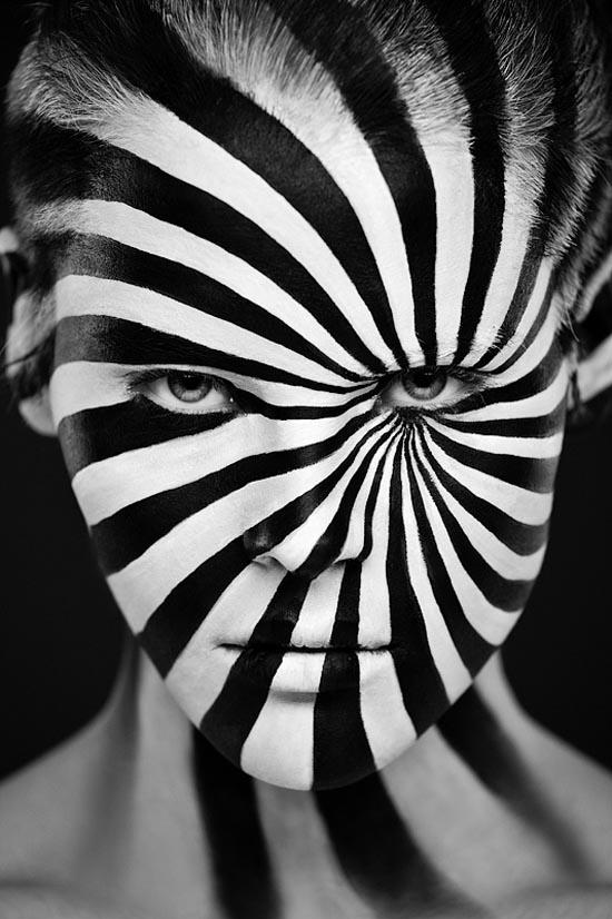 1 woman black white photography