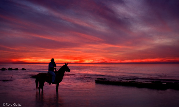 12 sunset photography by roie galitz