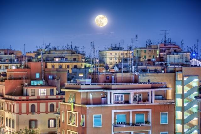 18 moon photography
