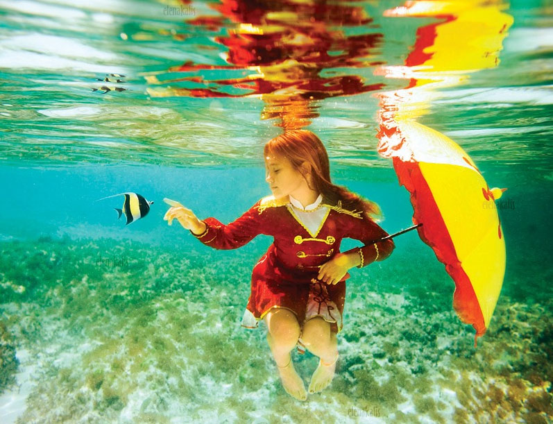 19 girl underwater photography