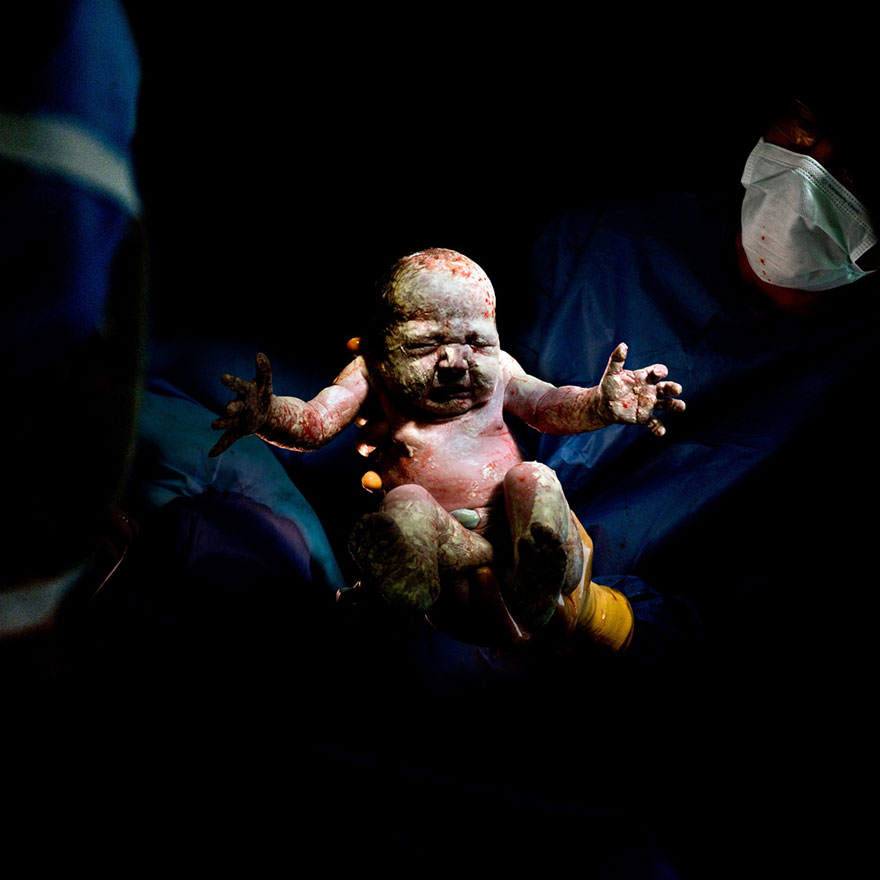 20 baby best photography by christian berthelot