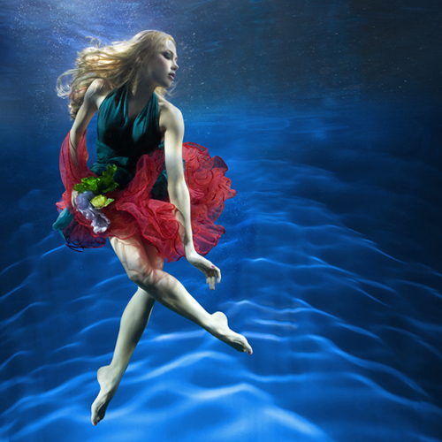 girl underwater photography -  20