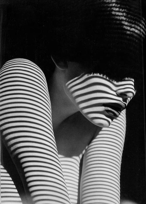 3 woman black white photography