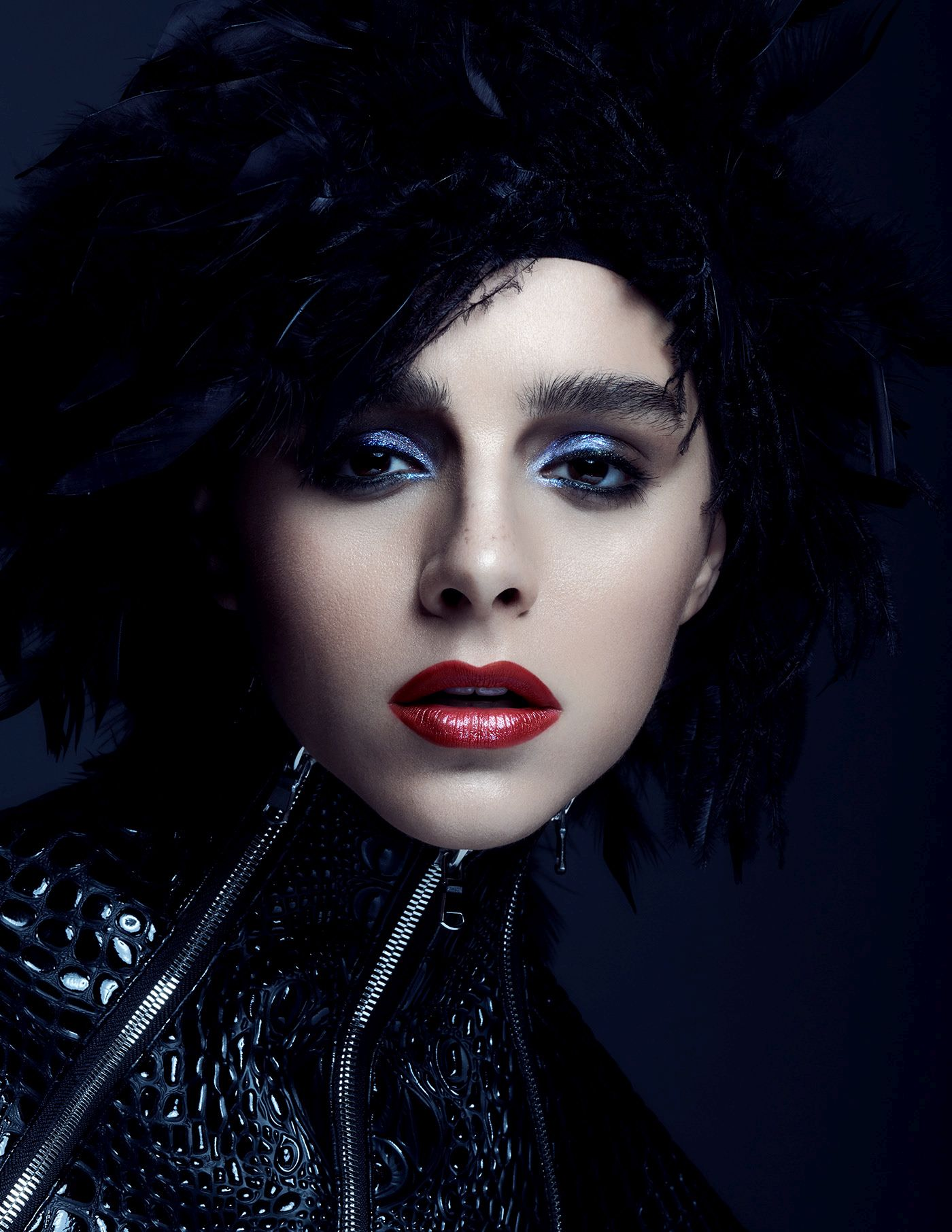 fashion photography feathers by alena saz