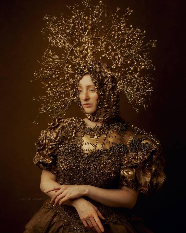 fashion photography golden girl by laura sheridan