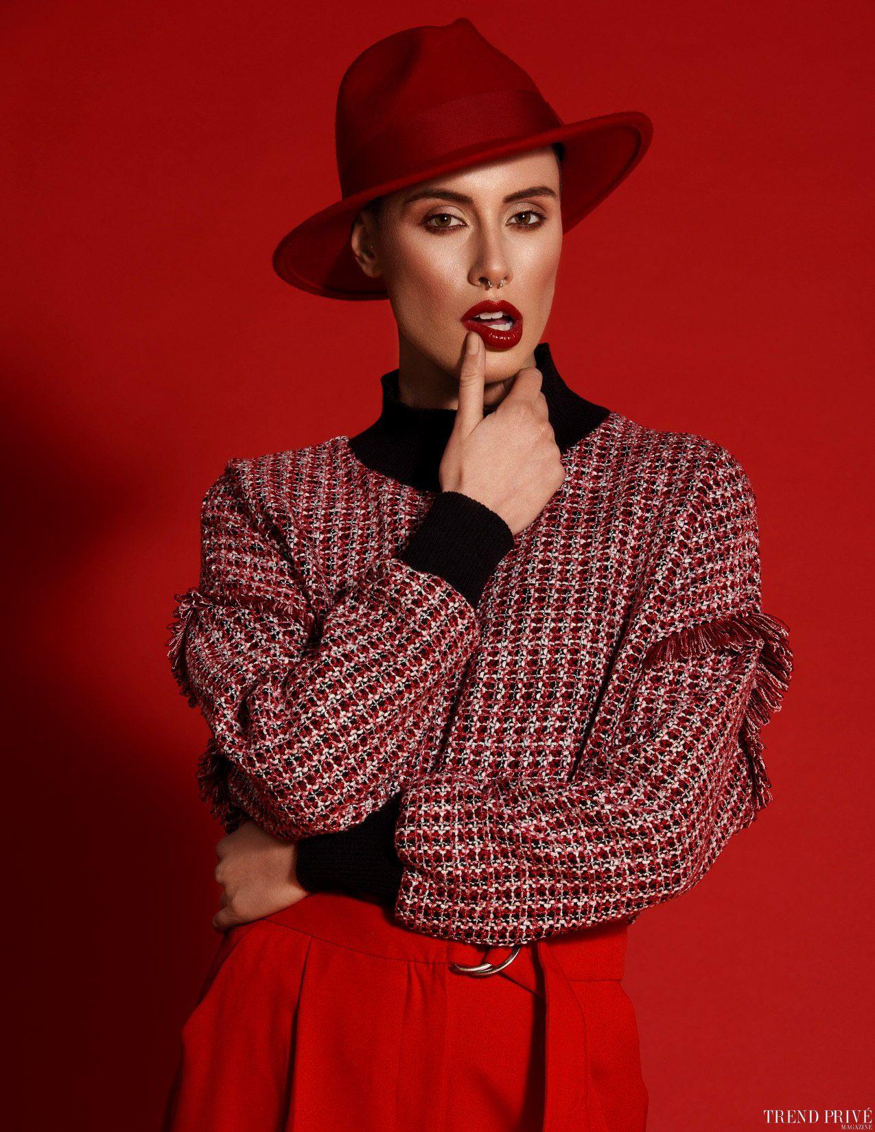 fashion photography lit mode by alena saz
