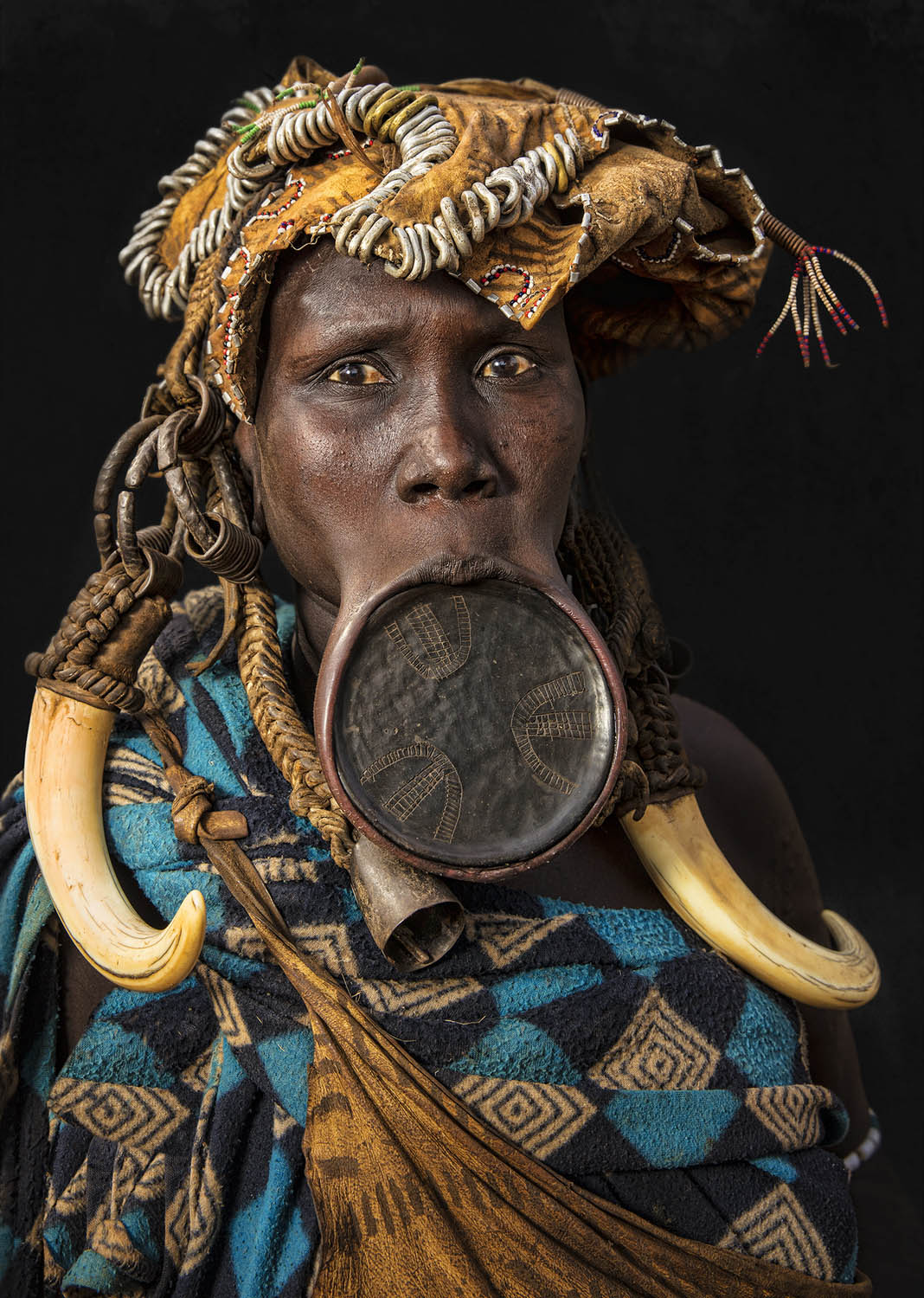 portrait photography mursi people by mohammed alhajri