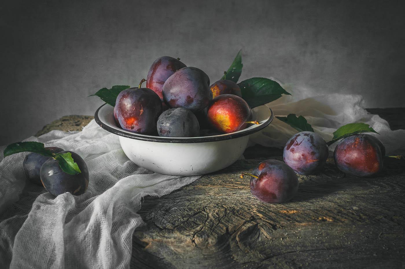 still life photography apple fruits by inna sukhova