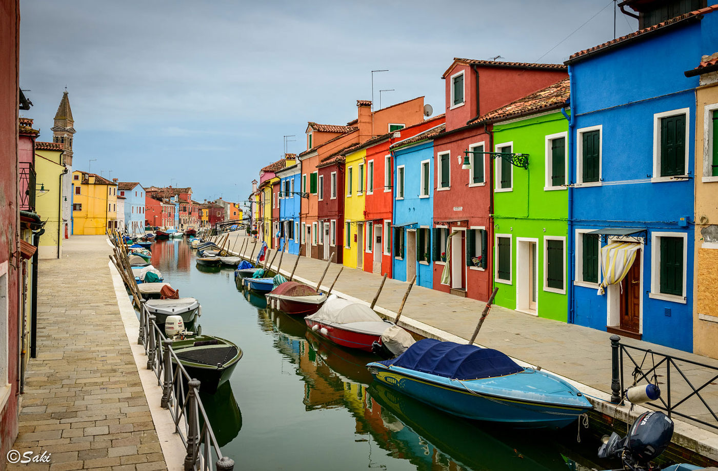 travel photography colorful boats