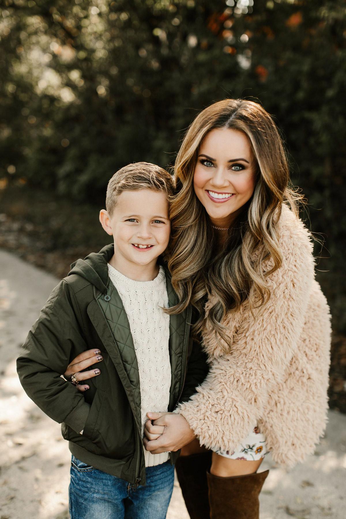 10 mother son photography pose idea