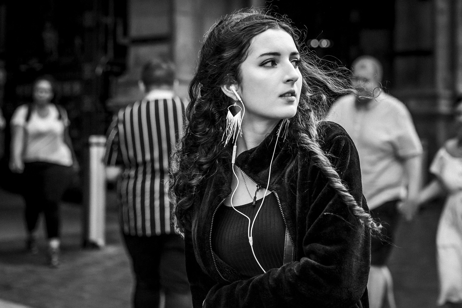 candid photography look back girl by leanne boulton