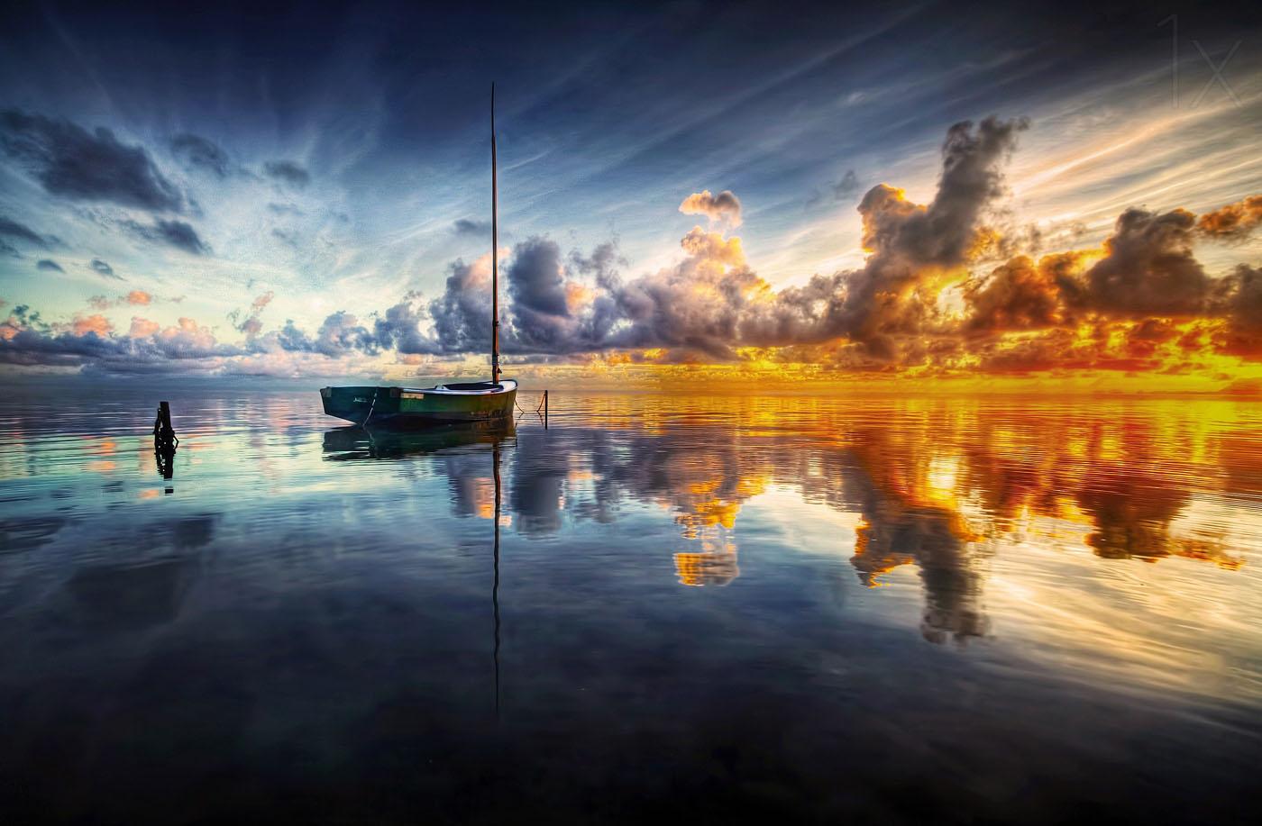 sunrise photography reflection sea by mark yugawa